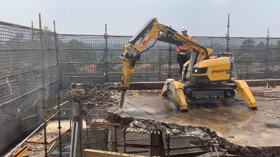 Structural slab demolition by Brokk 200 – Belmore